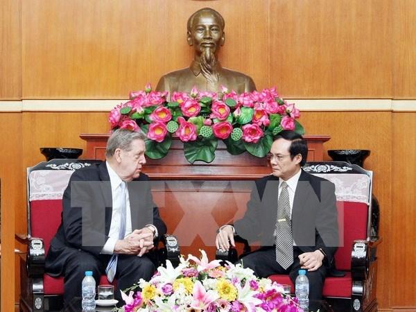越南祖国阵线中央委员会副主席会见耶稣基督后期圣徒教会代表 hinh anh 1