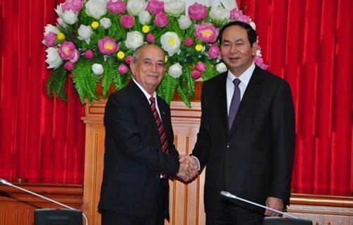 越南公安部长陈大光会见古巴内务部代表团 hinh anh 1