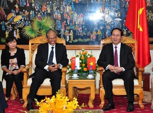 越南公安部长陈大光会见古巴内务部代表团 hinh anh 2