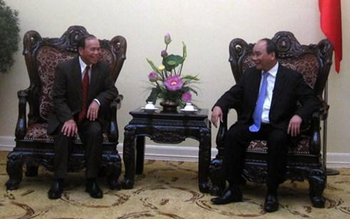 越南政府副总理阮春福会见老挝华潘省委书记兼省长 hinh anh 1