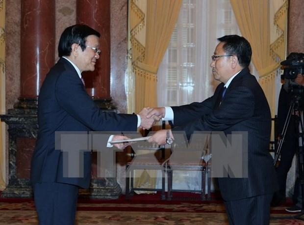 国家主席张晋创接受五国新任驻越大使递交的国书 hinh anh 1