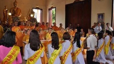 旅居泰国越南人努力发挥盂兰节的人文价值 hinh anh 1