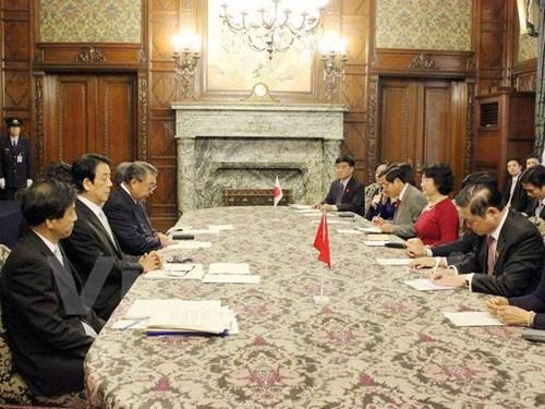 加强越南国会与日本众议院之间的合作 hinh anh 1
