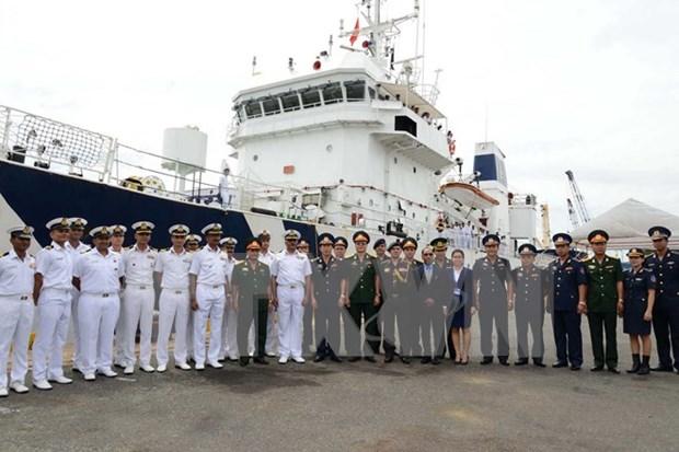 印度海岸警卫队巡逻舰访问胡志明市 hinh anh 1