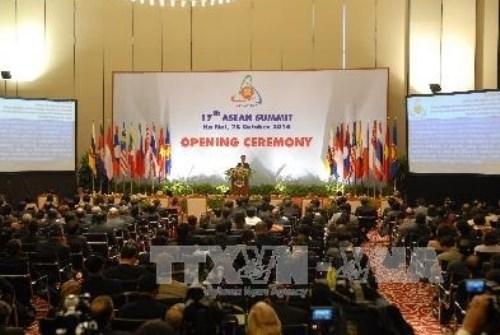 外交工作对党和国家制定对外路线起着重要作用 hinh anh 1