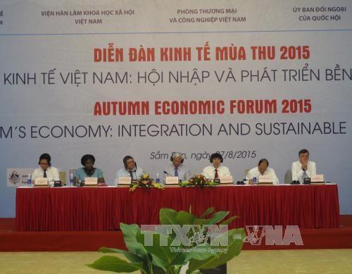 2015年秋季经济论坛在越南清化省开幕 hinh anh 1
