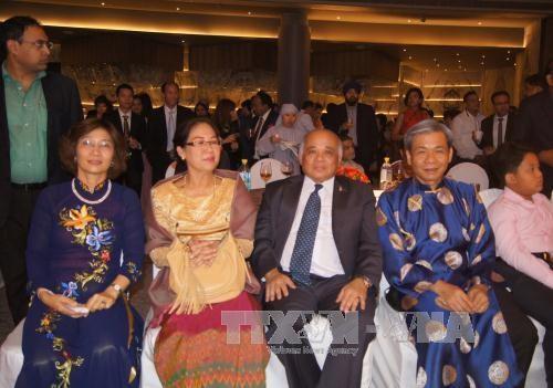 越南驻各国大使馆纷纷举行仪式庆祝九•二国庆70周年 hinh anh 2