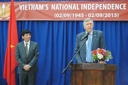 越南驻各国大使馆纷纷举行仪式庆祝九•二国庆70周年 hinh anh 3