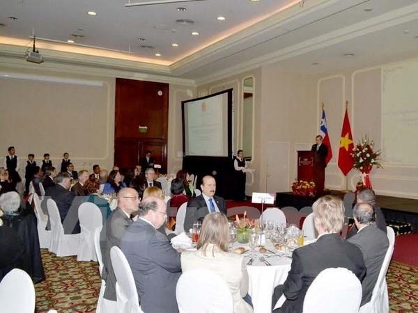 越南驻各国大使馆纷纷举行仪式庆祝九•二国庆70周年 hinh anh 4