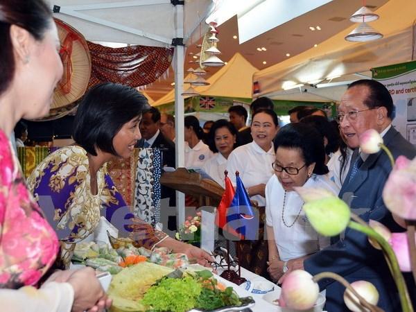 越南美食亮相柬埔寨和马来西亚 hinh anh 1