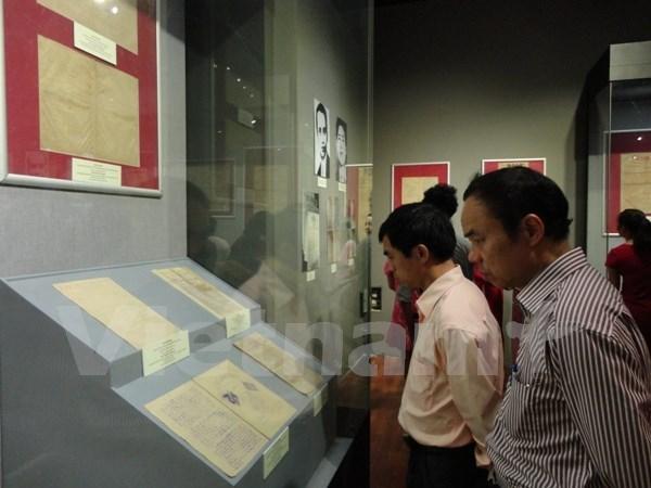 1925-1945年越南革命新闻资料及实物专题展会在河内举行 hinh anh 1