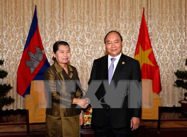越南政府副总理阮春福会见柬埔寨副首相梅森安 hinh anh 1