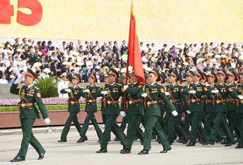 庆祝九·二国庆70周年的盛大阅兵和游行活动在巴亭广场举行 hinh anh 4
