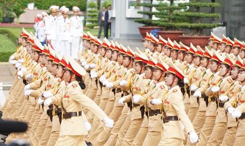 庆祝九·二国庆70周年的盛大阅兵和游行活动在巴亭广场举行 hinh anh 8