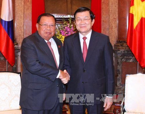 老挝国家副主席:越老特殊关系如漆似胶、世所罕见的 hinh anh 1