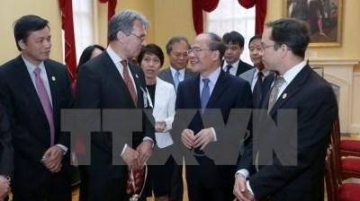 越南国会主席阮生雄探访美国马萨诸塞州旧市政厅和最高法院 hinh anh 1