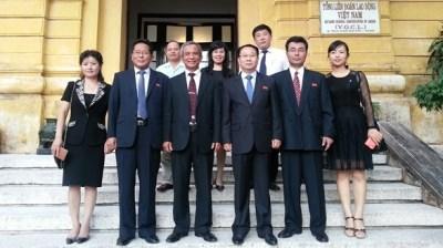 越南与朝鲜加强工会合作 hinh anh 1