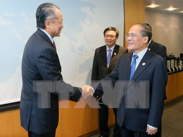 国会主席阮生雄会见世行行长并出席有关越南的研讨会 hinh anh 1