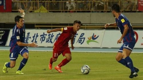 世预赛亚洲40强小组赛:越南队以1比2击败中国台湾队 hinh anh 1