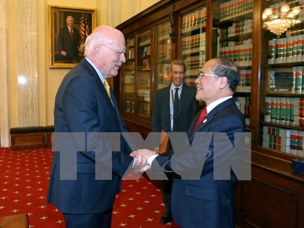 越南国会主席阮生雄会见美国参议院临时参议长帕特里克·莱希 hinh anh 1