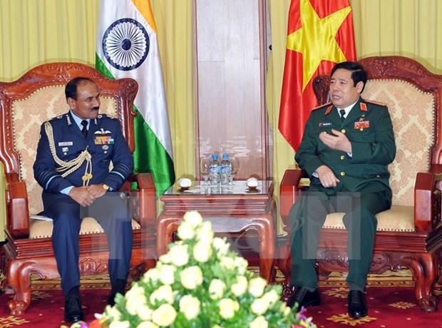 努力推动越南与印度双边防务合作 hinh anh 1