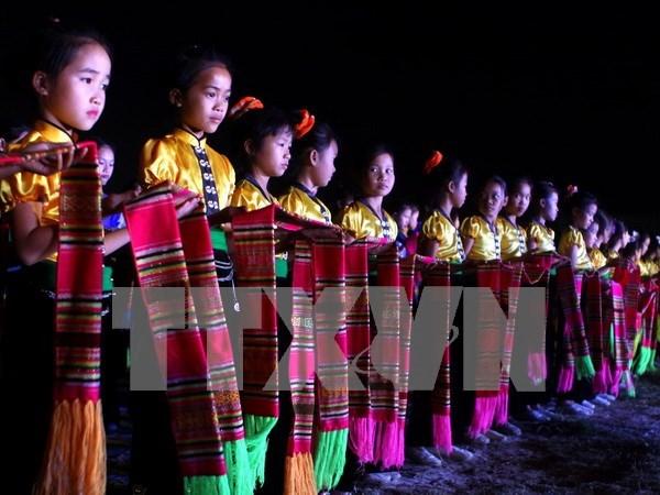 2015年越南安沛省芒炉文化旅游周开幕 hinh anh 1