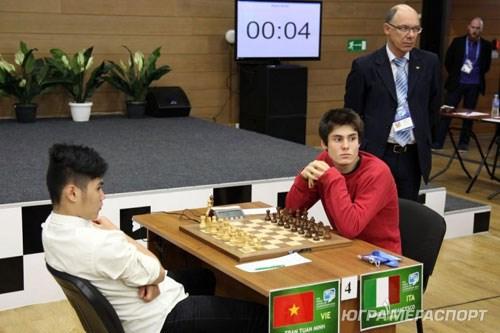 越南棋手有机会闯进2015年世界青年国际象棋锦标赛10强 hinh anh 1