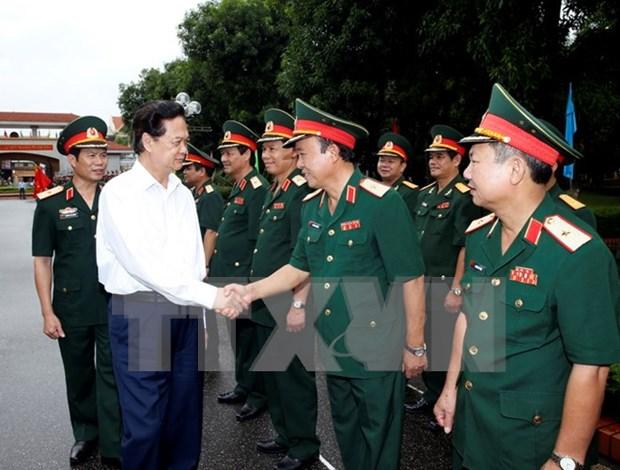 越南政府总理阮晋勇在第四军区调研 hinh anh 1