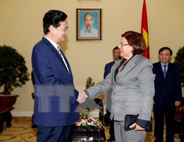 越南政府总理阮晋勇会见古巴财政与价格部部长利纳.佩德拉萨 hinh anh 1