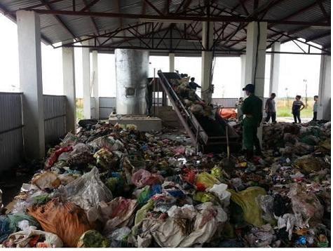 瑞典协助安江省提高固体废物管理能力 hinh anh 1