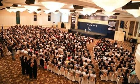 融入东盟经济共同体成为2015年越南首席执行官论坛热门话题 hinh anh 1