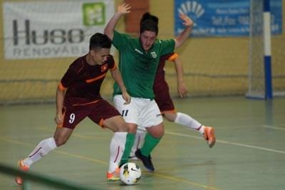 越南男子五人制足球队7比2击败Vilalba俱乐部 hinh anh 1