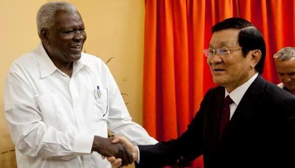 越南国家主席张晋创会见古巴国会主席埃尔南德斯 hinh anh 1