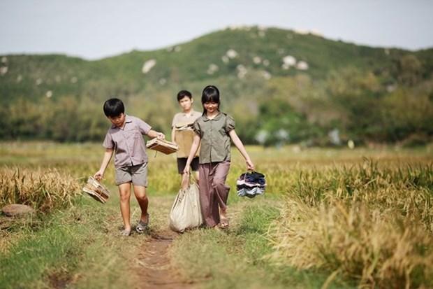 越南影片《我看见绿色草地上是金色花朵》荣获最佳故事片奖 hinh anh 1