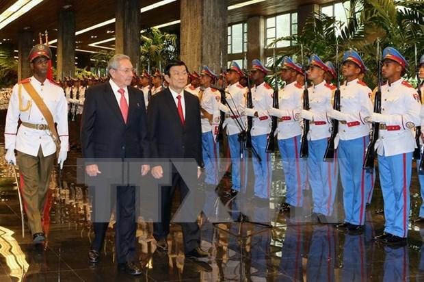 越南国家主席与古巴国务委员会主席举行会谈 hinh anh 1
