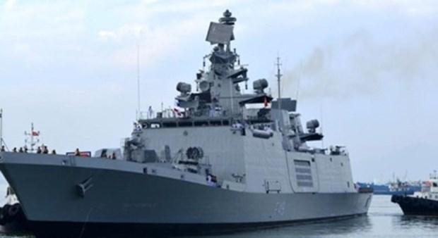 印度海上警卫队军舰访问越南岘港市 hinh anh 1