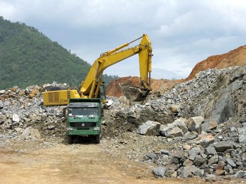 富寿省加大对矿产勘探开发的管理力度 hinh anh 1