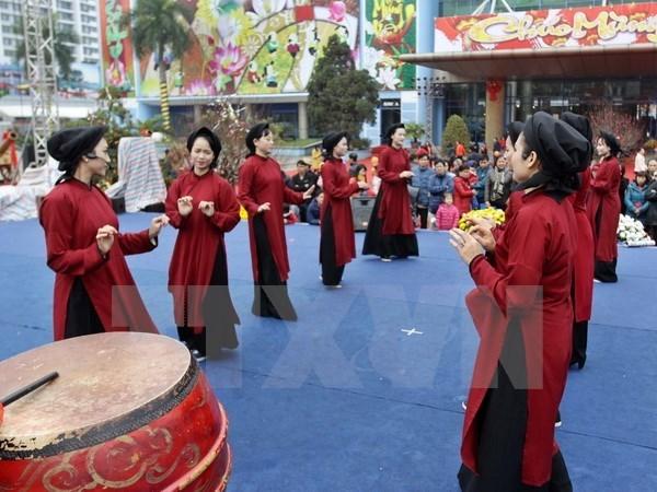 富寿省向国际非物质文化遗保护专家推介古老春曲 hinh anh 1
