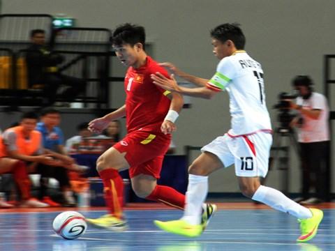 2015年东南亚五人制足球锦标赛:越南队2比1小胜缅甸队 hinh anh 1
