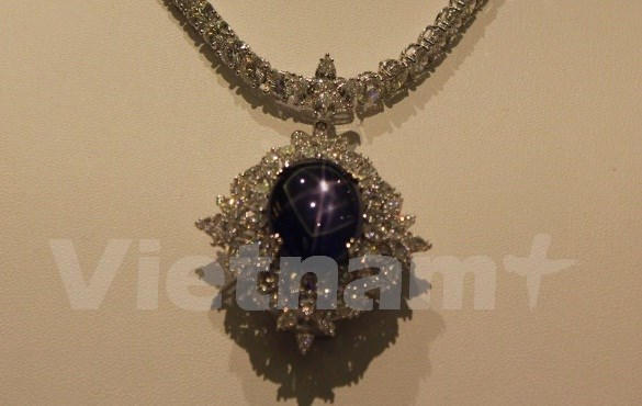 东方珠宝展在新加坡举行 hinh anh 1