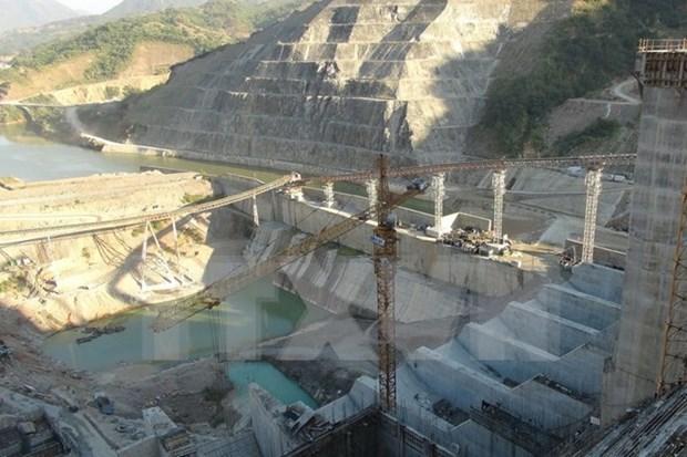 越南莱州水电站一号机组转子成功吊装 hinh anh 1