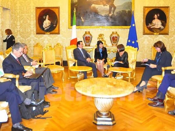 越南共产党代表团对希腊和意大利进行工作访问 hinh anh 1