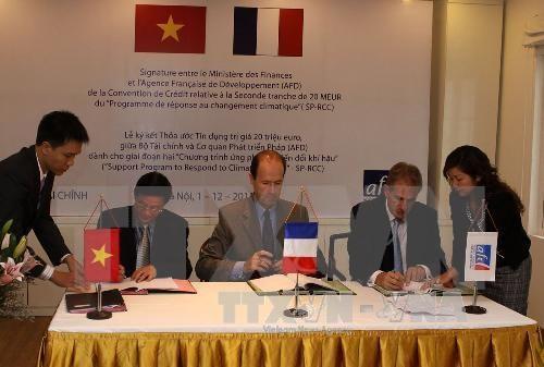 法国考虑为芹苴市提供优惠贷款协助该市有效应对气候变化 hinh anh 1