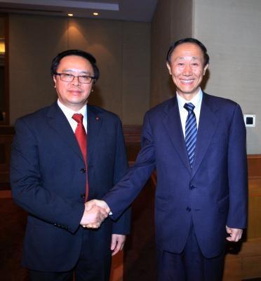 阮富仲总书记会见中国全国政协副主席、中联部部长王家瑞 hinh anh 3