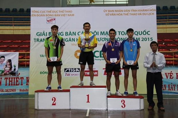 2015年全国俱乐部乒乓球锦标赛:段建国和梅黄美妆分别获男女单冠军 hinh anh 1