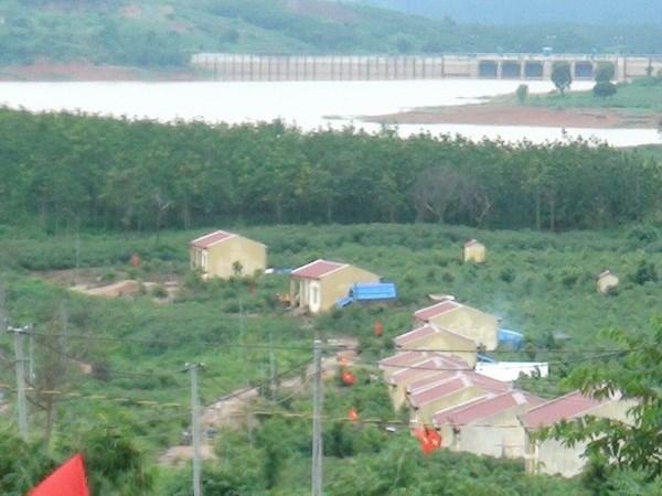 越南昆嵩省努力促进边界县经济社会发展 hinh anh 1