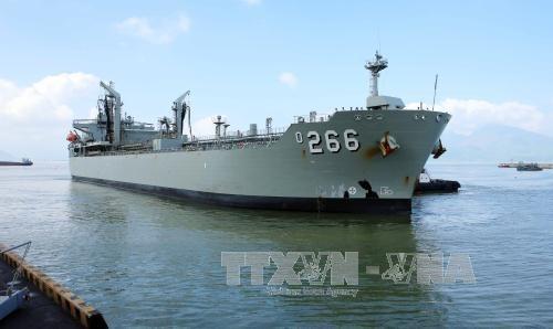 澳大利亚皇家海军船对岘港市进行访问 hinh anh 1