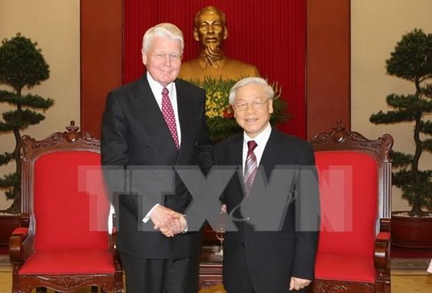 越共中央总书记阮富仲会见冰岛总统格里姆松 hinh anh 1