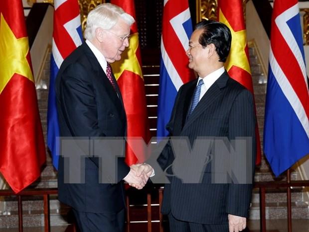 阮晋勇总理:越南重视促进越冰关系深入发展 hinh anh 1