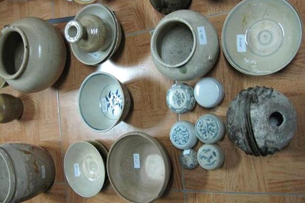 安江省人民捐赠数百件文化实物 hinh anh 1
